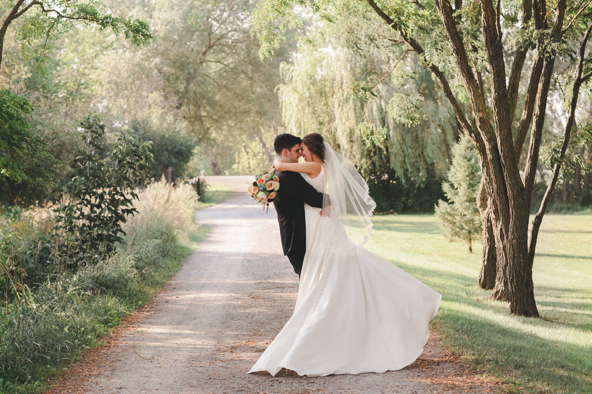 Making Your Wedding Day Special With The Help Of Experienced Wedding Photographers